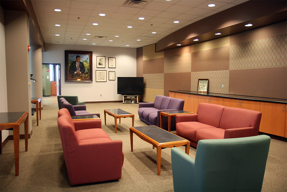 The formal lounge at Willkie Lounge.